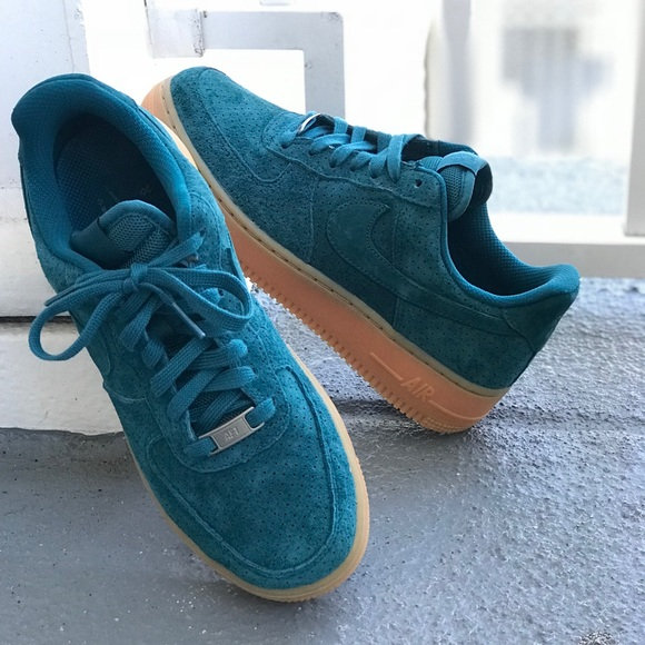 NWT Air Force 1'07 Suede Teal WMNS